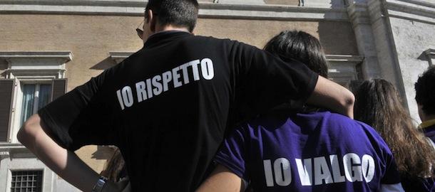 Una manifestazione contro il femminicidio in Piazza Montecitorio a Roma, 25 settembre 2013 (LaPresse)