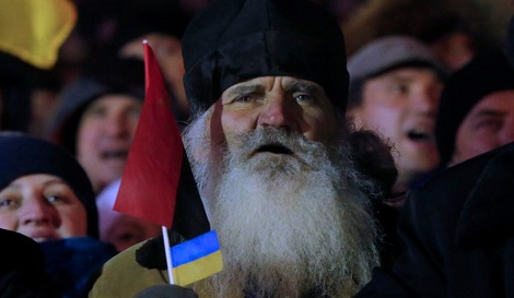Proteste in Ucraina, 2 dicembre 2013 (AP Photo/Sergei Grits)