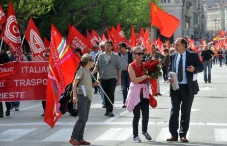 Per la Festa dei Lavoratori torna la manifestazione dei sindacati. Da corso Venezia a piazza Duomo. Concerto alla Barona e uno spettacolo al Piccolo