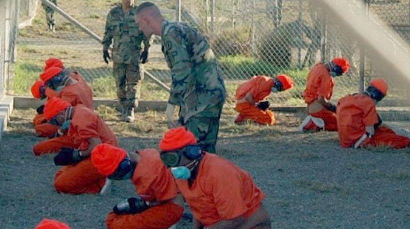Detenuti di Guantanamo. (Foto:Shane T. McCoy)