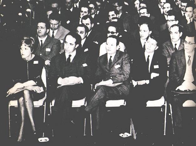 Marisa Bellisario partecipa a una riunione dei dirigenti di General Electric (Stati Uniti, fine anni Sessanta)