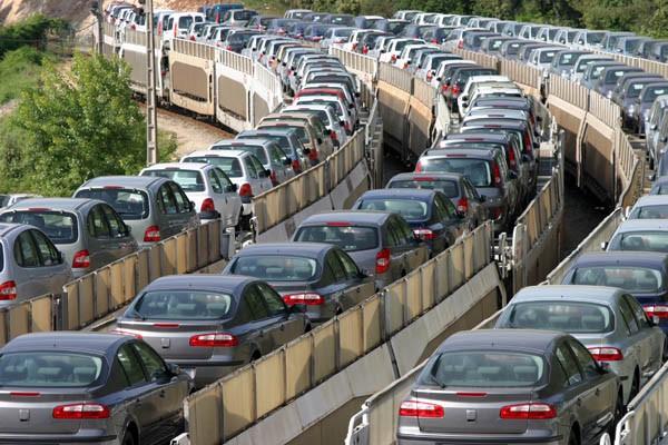 Oggi solo il 19 per cento dei cittadini sale su un mezzo di trasporto, l'81 per cento preferisce la macchina. Una tendenza che dobbiamo invertire